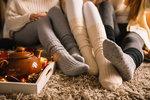Tomu neuvěříte! Co všechno se změní, když si na noc navléknete ponožky?