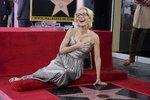 Gillian Anderson se rozhodla odhodit navždy podprsenku