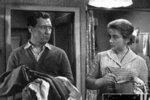 Míla Myslíková se objevila po boku herce Josefa Větrovce ve filmu Skok do tmy (1964).