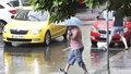 Vytrvalý déšť může rozvodnit některé toky.