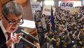 Lidé se šikují proti Babišovi. Milion podpisů má podpořit jeho konec
