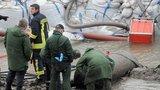"""Německo evakuuje 70 tisíc lidí. Pokusí se zneškodnit obří bombu """"Trhák"""""""