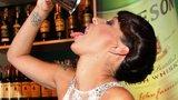 Skandály ve Varech: Nevěry, alkohol i stejné šaty sokyň v lásce