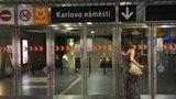 """Další omezení v metru: DPP opraví eskalátory na """"Karláku"""" i na Jiřího z Poděbrad"""