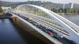 Praha za Trojský most zaplatí pokutu 11 milionů. Zároveň se bude soudit