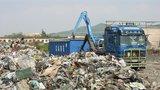 Třídit odpad metodou hoří, nehoří? Ministerstvo podpoří pálení smetí