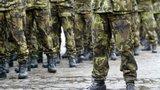 Policie si posvítila na elitní vojáky: Zakázku na maskáče rozpůlili, teď čelí obvinění