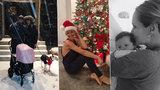 """Vánoční dojezd slavných: Chodúr v očekávání, Kobzanová s kočárkem ve sněhu, Absolonová """"uvězněná"""" doma mezi plenkami!"""