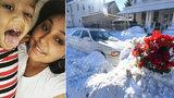 Matka s ročním synem se otrávili v zavátém autě: Sníh jim ucpal výfuk