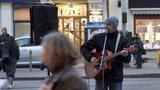 Praha 1 řešila vyhlášku o buskingu: Místní se bojí zesilovačů, jiní se muzikantů zastávají