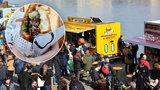 Náplavku obsadila pojízdná občerstvení z celého světa. Zlákala tisíce hladových Pražanů