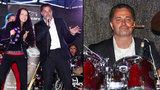 Herec Martin Dejdar je šoumen: Sedl za bicí a bubnoval s doutníkem v puse