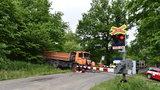 V Olomouci se srazil vlak s náklaďákem: Deset lidí se zranilo