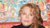 Havlová řeší s právníky zneuctění manželovy památky. Hrnky i reklama musí pryč