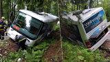 Dramatická nehoda v Krkonoších: Chlapec na koloběžce vjel přímo pod kola autobusu!