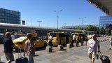 Kdo vás bude vozit z letiště? Od nového roku Taxi Praha a FIX