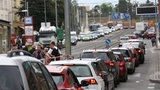 """Praha 6 vyhlašuje stav dopravní nouze. Zavedou se """"světelné závory"""" na hlavních přivaděčích"""