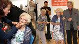 """Modelkou ve 102 letech: První módní přehlídku šla Františka """"za ruku"""" s Harapesem"""