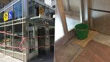 Nový výtah na Andělu za 100 milionů zničilo pár kapek. Z tajemného důvodu nejezdí