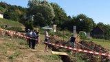 Na Kladensku vykopali při pracích kostru. Pochází z 2. světové války, říkají místní