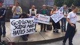 Prague Pride není pro každého. Proti jeho konání protestovaly v Praze stovky lidí