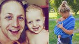 Život podle Kluse: Tomáš si zpívá s dcerou, Tamara se synem běhá po lese