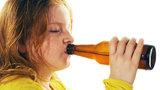 Výchova na britský způsob: Alkohol pro děti jako odměna za dobré známky