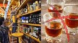 V Česku začala prohibice před čtyřmi lety. Pančovaný alkohol zabil 48 lidí
