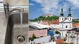 Voda v Brně už je zase pitná. Bakterie je pryč, převařování končí
