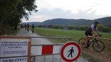80 topolů a netopýři ustoupili cyklistům: Cyklostezka Černošice - Radotín je znovu otevřená