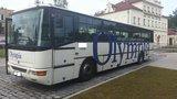 Chlapec (17) ukradl na Brněnsku autobus a vozil v něm cestující