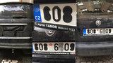 Řidiči se vyhýbají placení za parkování. SPZ zakrývají pytlem i izolepou