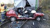 Vážná nehoda u Obrataně: Po střetu s autem na přejezdu vykolejil vlak