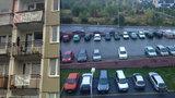 Obyvatelé Barrandova mohou jásat: Vyhráli »bitvu« o zpoplatnění parkování