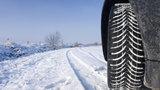 Přezujte na zimní pneumatiky, jinak vám hrozí pokuty! Od kdy do kdy je musíte mít?
