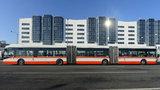 Na letiště mají jezdit nové autobusy: Uvezou až 200 lidí naráz
