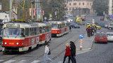 Tramvajové smyčky v centru Prahy? DPP vytipuje potřebná místa, tramvaje dostanou klimatizaci