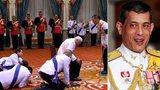Kontroverzní thajský král: Plazí se před ním i premiér. Psa jmenoval maršálem letectva