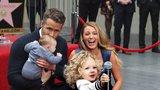Hollywoodský pár Ryan Reynolds a Blake Lively: Poprvé ukázali obě dcery!