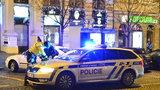 """Policie """"uklízela"""" noční Václavák: Zaměřila se na dealery drog, prostitutky a migranty"""