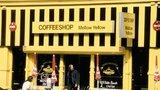 V Amsterdamu zavřeli nejstarší coffee shop! Mellow Yellow stál moc blízko školy