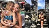 Zpěvačka Dara Rolins poslala z Bali srdceryvný vzkaz: Vzpomíná v něm na zesnulou manažerku a svého otce