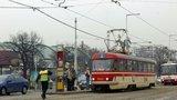 Dopravní komplikace v Holešovicích: 4 hodiny musely tramvaje jezdit jinudy