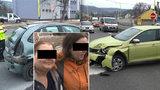 Opilá matka nabourala do opilé dcery: Po nehodě se chtěly fotit s policisty