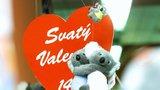 Psycholog: Lidé ani neví, proč Valentýna slaví. Zbyla jen komerce
