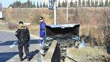 Opilý řidič zrušil auto o betonová svodidla: Nadýchal skoro dvě promile