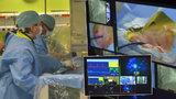Unikátní operace srdce: Pacient byl při vědomí a na lékaře pomrkával!