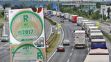"""Čechy stála """"černá"""" jízda po dálnici 34 milionů, dostali víc pokut než loni"""