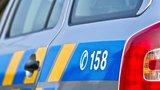 Osudové přehlédnutí: Cyklista narazil do policistů!