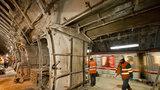 Oprava stanice Jinonice jde do druhé fáze: Dělníci zde instalují odvodňovací systém
